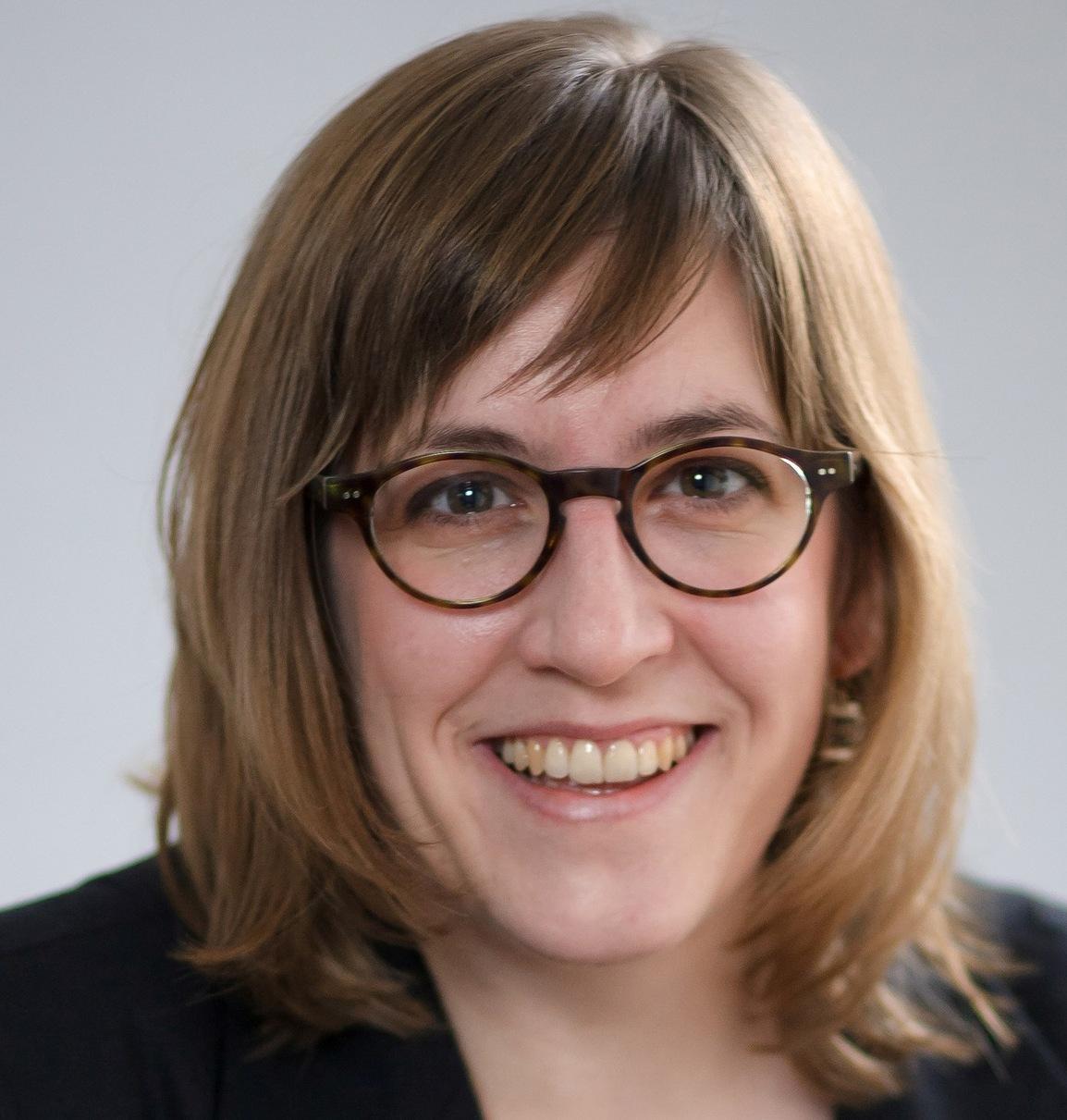 PD Dr. Simone Derix erhält den Carl-Erdmann-Preis 2016 des VHD