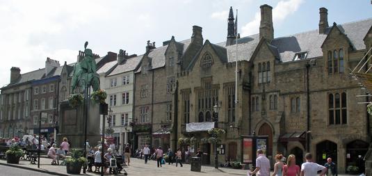 Market Place (Bild: Trilobite, CC Wikipedia, bearb MSchmidt)